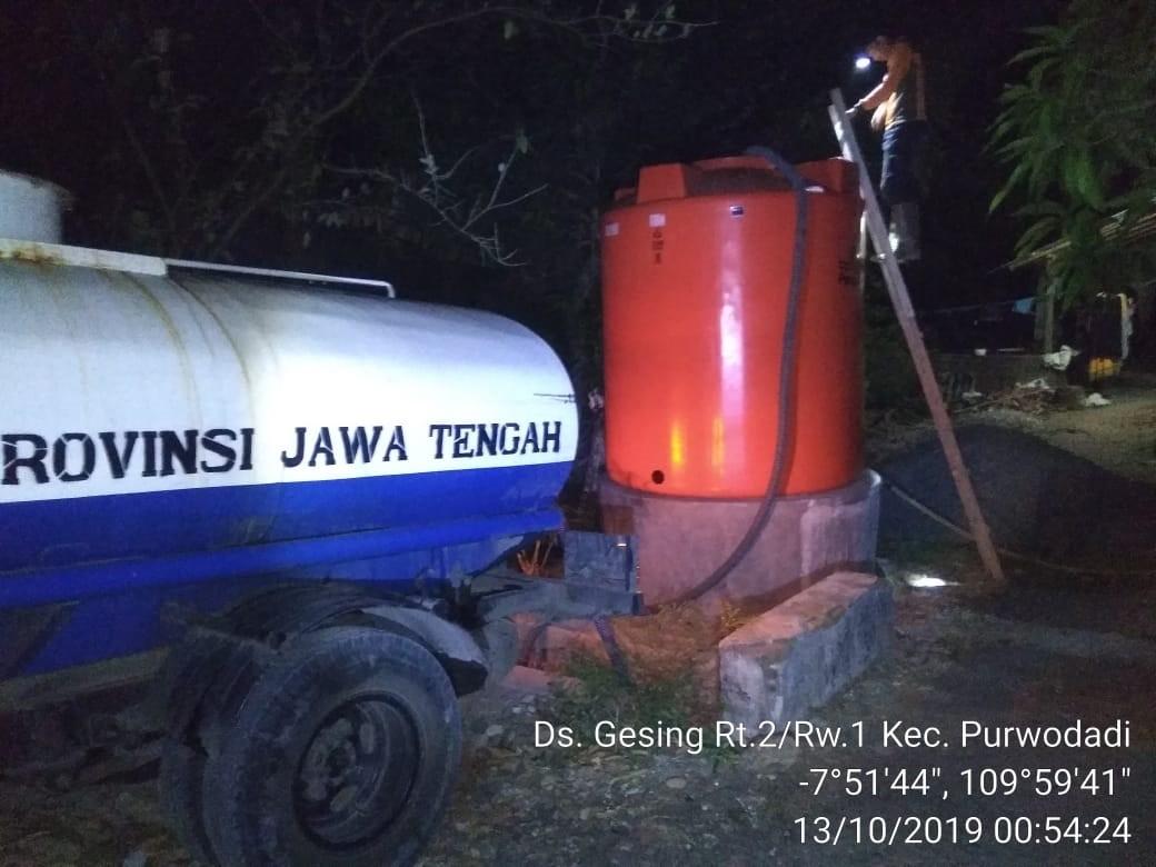 DISTRIBUSI BANTUAN AIR BERSIH HARI KE-104 DI DESA GESING